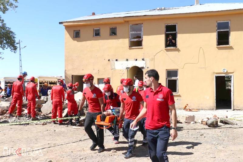 310 Personelle Deprem Tatbikatı