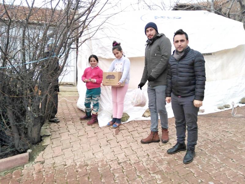 AK Parti Gençlik Kollarından Deprem Bölgesine Yardım