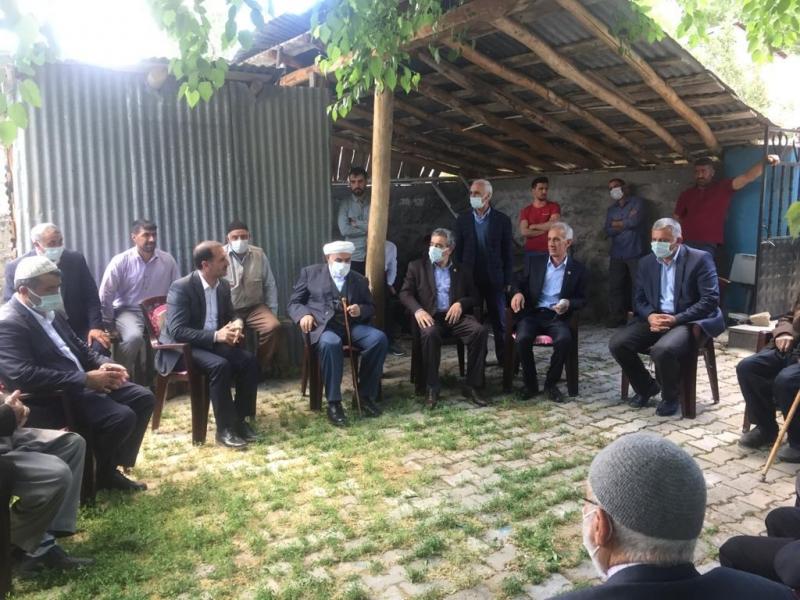 Ak Parti'den Köylere Ziyaret