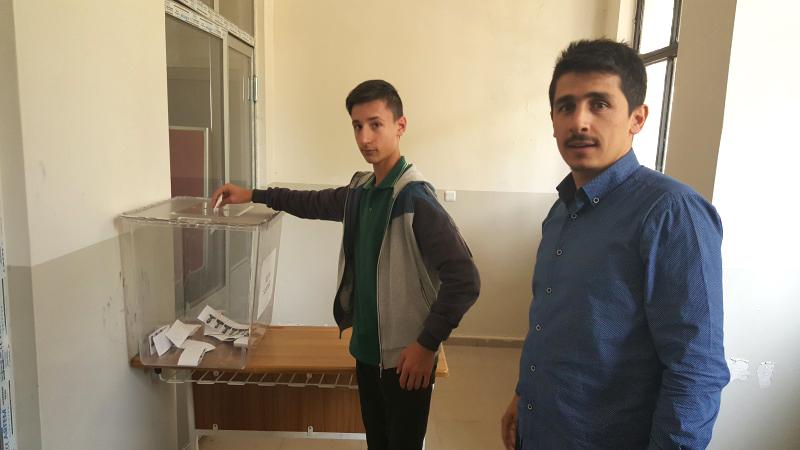 Anadolu İmam Hatip Lisesinde Seçim Coşkusu