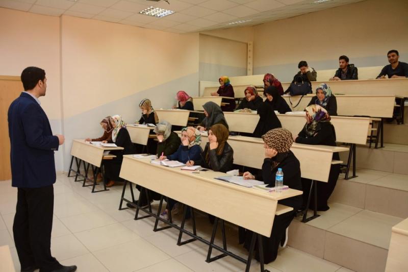 AÖF Öğrencilerine Ücretsiz Yüz Yüze Dersler