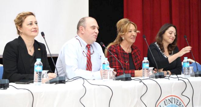 'Aşılar ve Antibiyotikler' Konferansı Düzenlendi