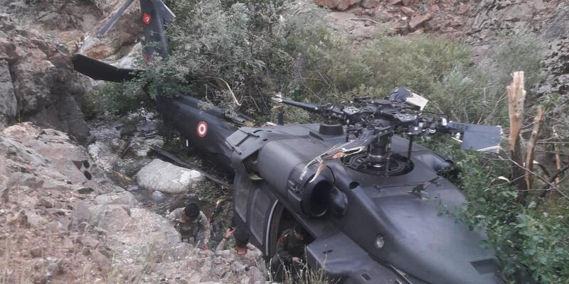 Askerleri Taşıyan Helikopter Zorunlu İniş Yaptı