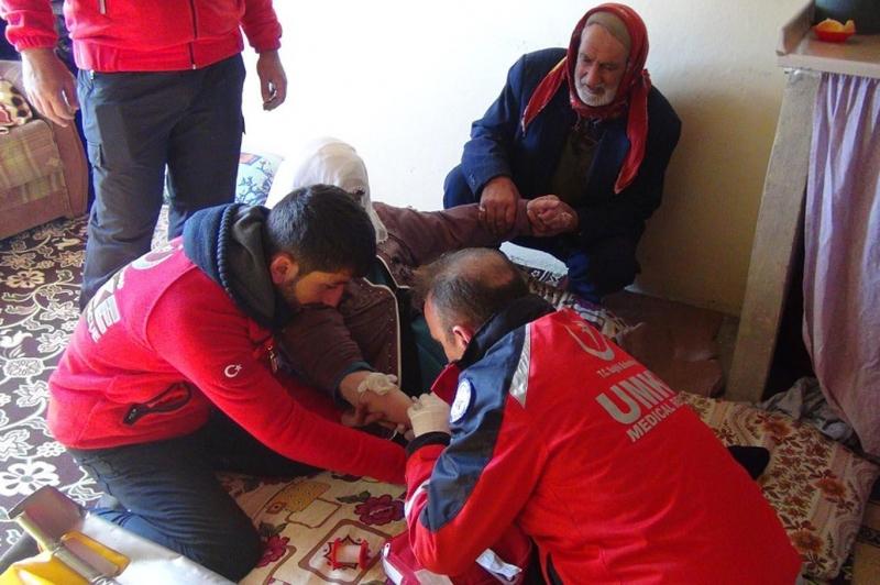 Bacağı Kırılan Yaşlı Kadın Kurtarıldı