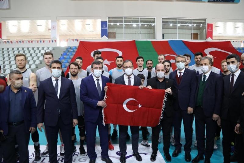 """Bakan Kasapoğlu """"Bingöl'ümüz, Önemli Bir Spor Destinasyonu Olacak"""""""