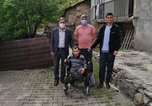 Başkan Yıldız'dan Engelli Vatandaşa Akülü Sandalye