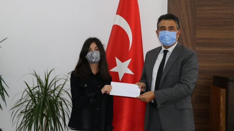 Bingöllü Öğrenci, Ödülünü Depremzedelere Bağışladı