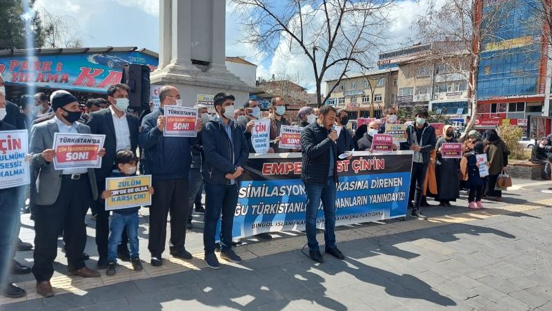Doğu Türkistan'daki Zulümler Bingöl'de Protesto Edildi