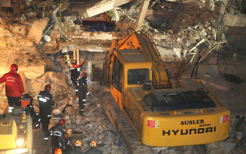 Elazığ'daki Depremde 38 Kişi Hayatını Kaybetti