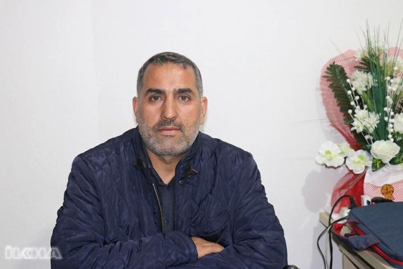 Gözaltına Alınan Gazeteci Yaşadığı Hukuksuzluğu Anlattı
