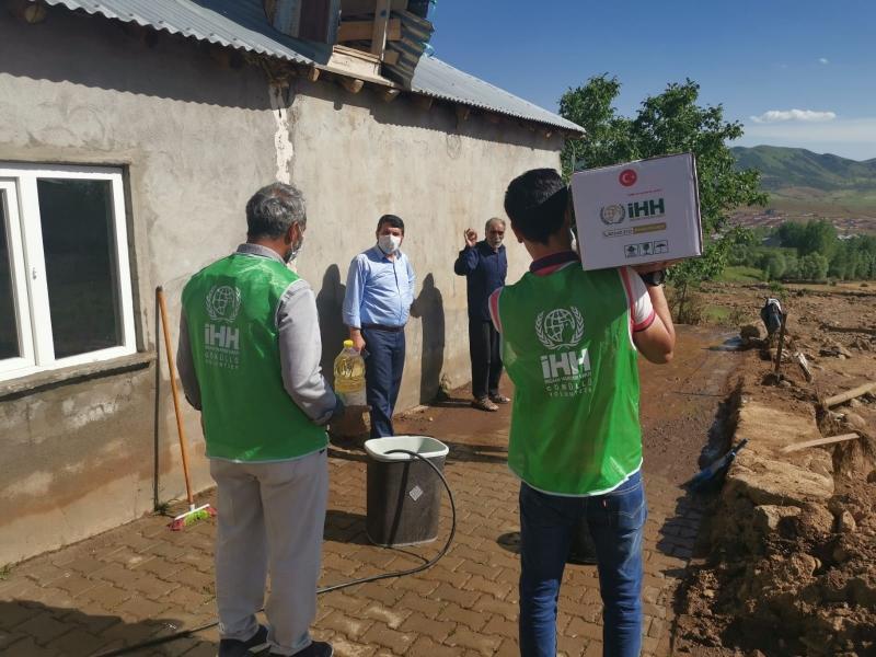 İHH'dan Sel Mağdurlarına Yardım