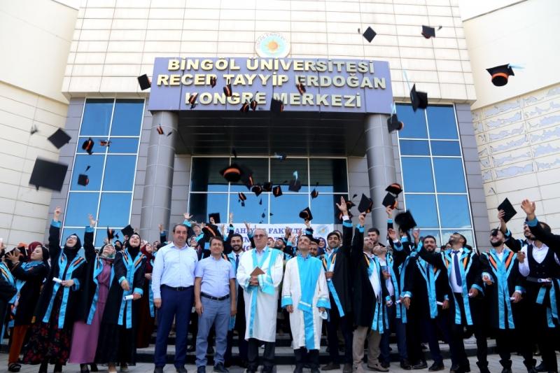 İslami İlimleri Fakültesi Mezuniyet Töreni Yapıldı