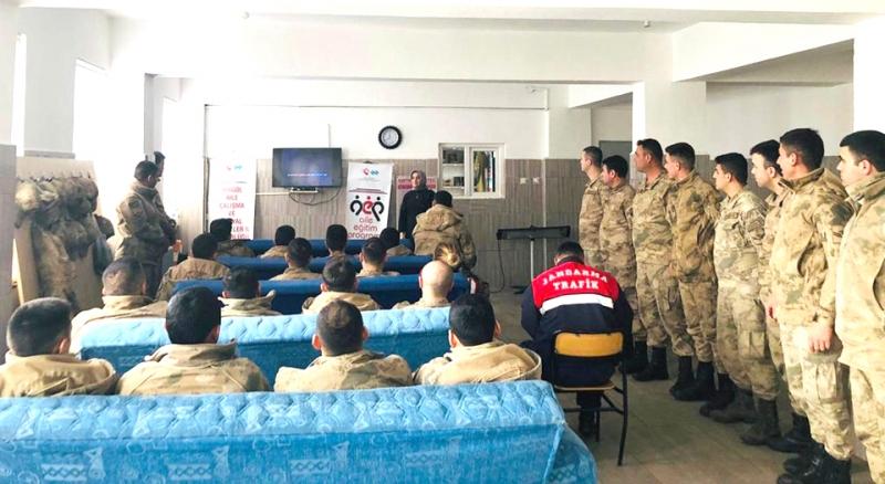 Jandarma Personeline 'Evlilik Öncesi Eğitim' Semineri