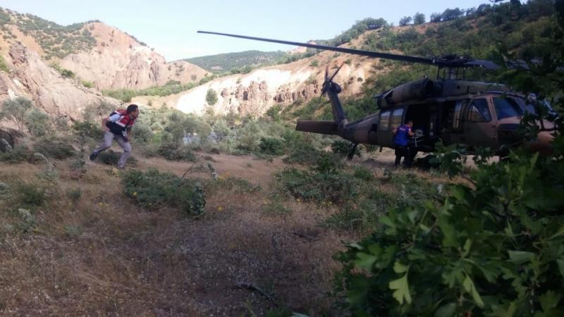 Kayalıktan Düşen Vatandaş için Helikopter Havalandı