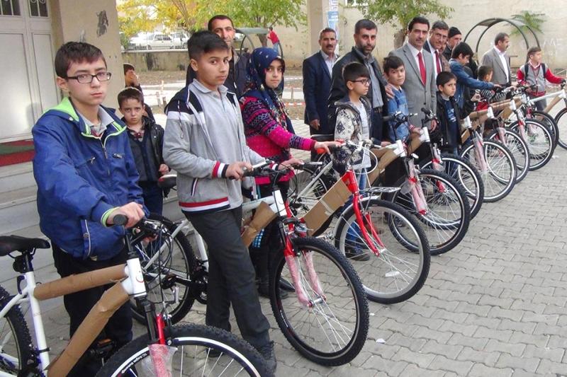 Kurs Öğrencilerine Bisiklet Hediye Edildi