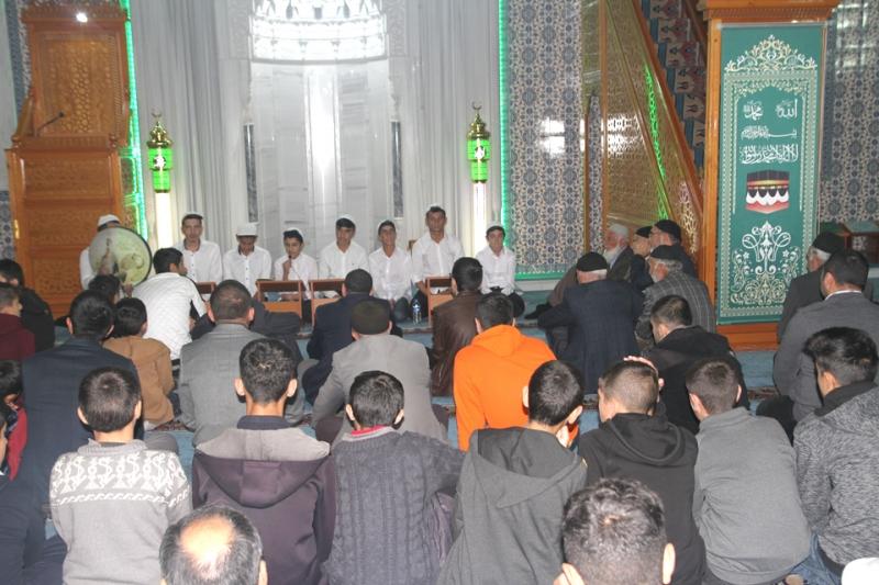 Mevlid Kandili Dualarla İhya Edildi