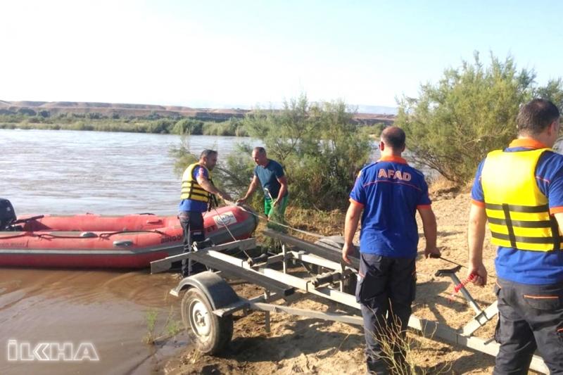 Murat Nehri'nde Mahsur Kalan Vatandaş Kurtarıldı
