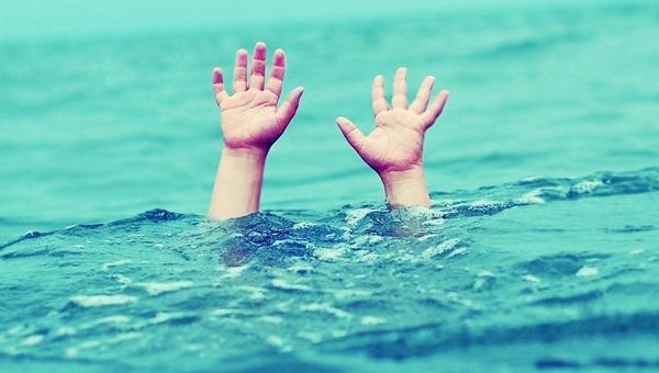 Murat Nehrinden Karşıya Geçerken Boğuldu