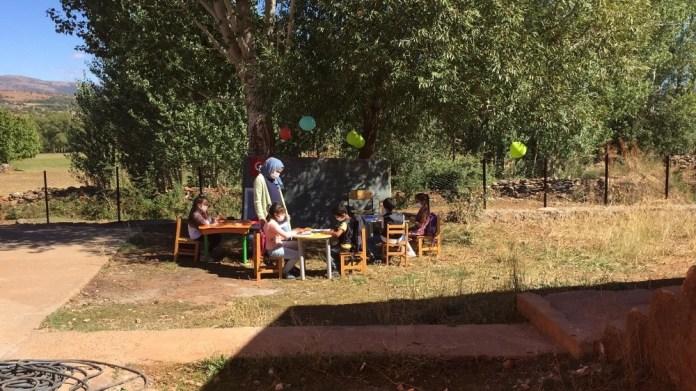 Okul Bahçesi, Öğrencilere Sınıf Oldu