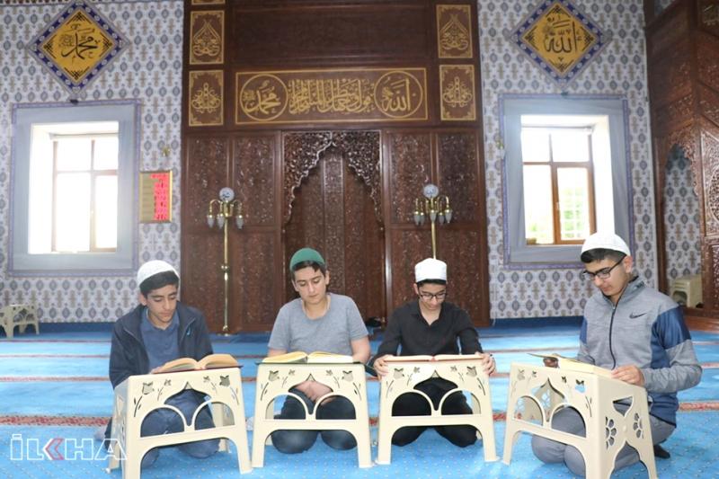 """""""Ömrümüzü Bir Ramazan Ayı Gibi Geçirmemiz Lazım"""""""