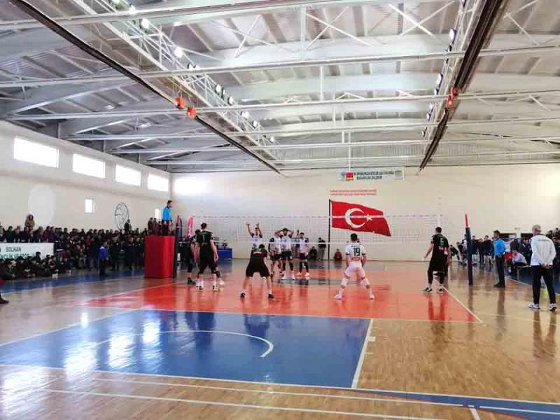 Play Off'u Garantileyen Solhan Spor, Lider'e Mağlup Oldu