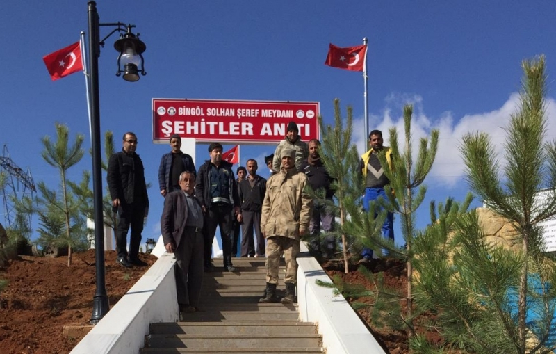 Şehitler Anıtı Çevresi Ağaçlandırıldı