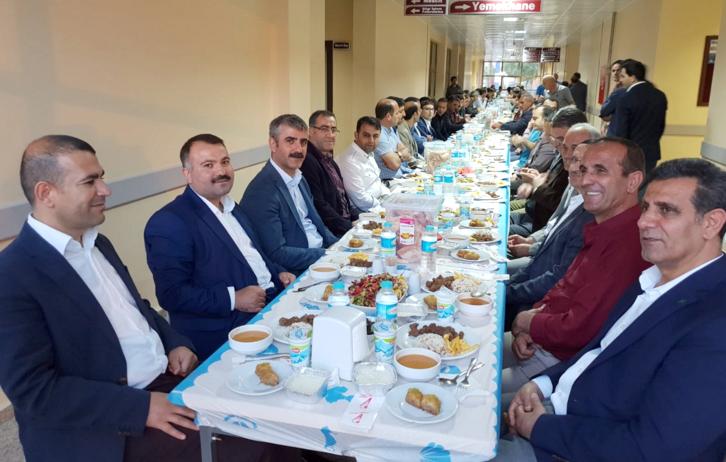 Solhan Devlet Hastanesinden Geleneksel İftar Yemeği