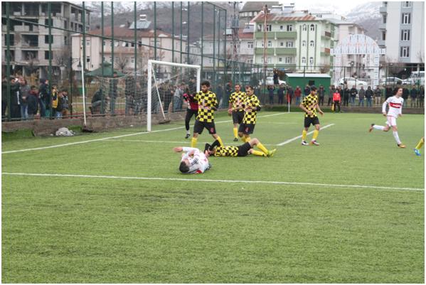 Solhan Gençlerbirliği Spor, Hakeme Takıldı