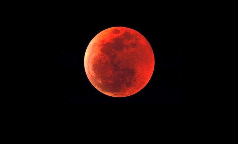 Solhan'da Kanlı Ay tutulması