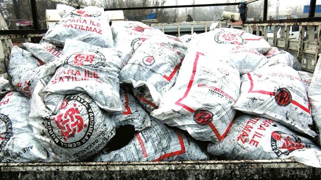 Solhan'da Yardım Kömürü Dağıtımına Başlandı