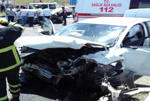 Solhanlı Aile Kaza Yaptı: 4 Yaralı