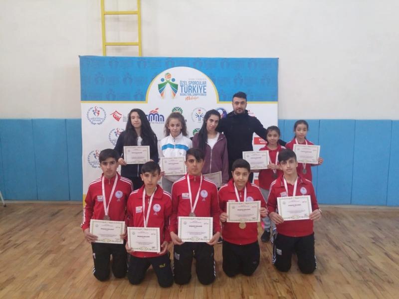 Solhanlı Yıldız'lar Türkiye Yarı Finallerine Adını Yazdırdı