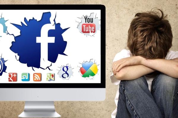 Sosyal Medya Çocukları Baskı Altına Alıyor
