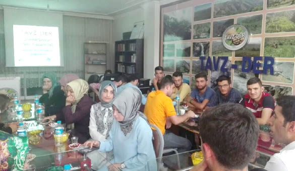 Tavz-Der'den Öğrencilere Burs Yardımı