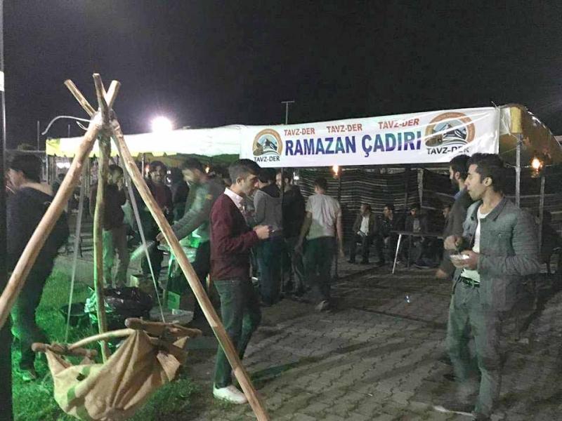 Tavz-Der'den Ramazan Çadırı