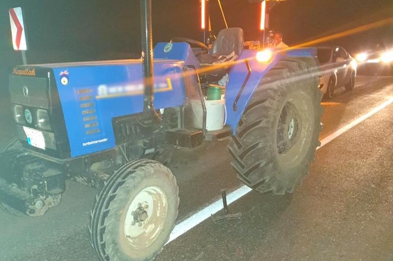 Traktörden Düşen Vatandaş Ağır Yaralandı