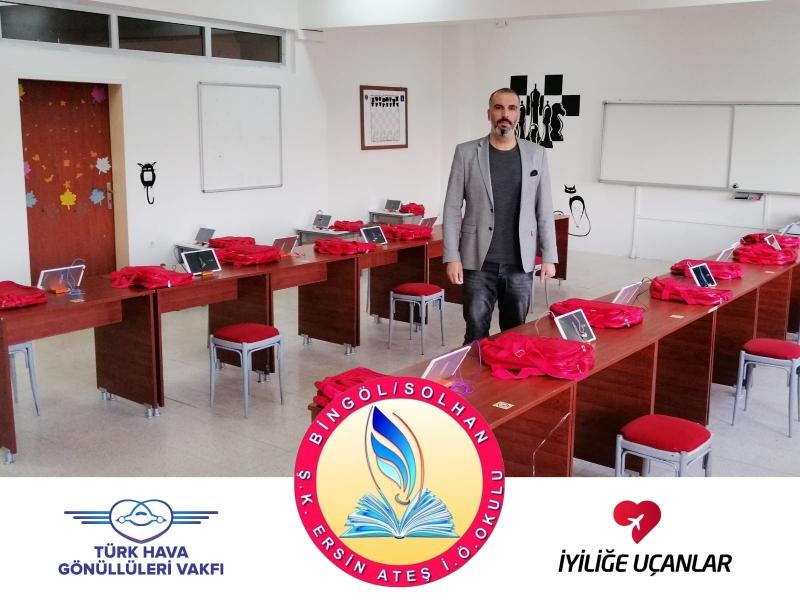 Türk Hava Gönüllülerinden Öğrencilere Tablet Desteği