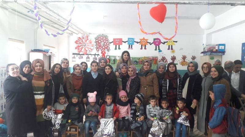 Üniversite Öğrencileri Uygulama Dersiyle Gönül Köprüsü Kurdu
