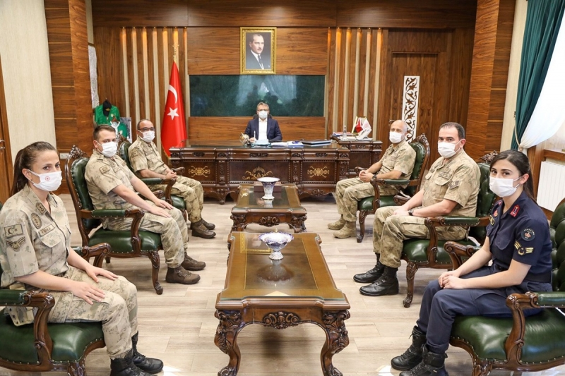 Vali Ekinci, Jandarma Heyetini Kabul Etti