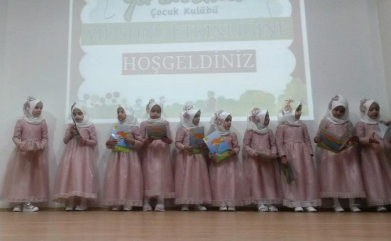 Yarım Elma Çocuk Kulübü'nden Yılsonu Etkinliği