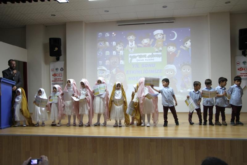 Yarım Elma Çocuk Kulübünden Yılsonu Gösterisi