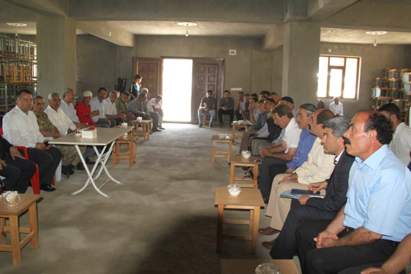 Yenibaşak'ta Halk Toplantısı Yapıldı